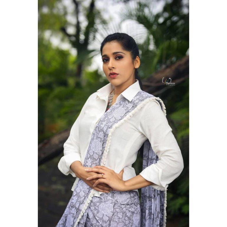 Rashmi Gautam Wiki, Age, Biography, Movies, and Gorgeous Photos 112