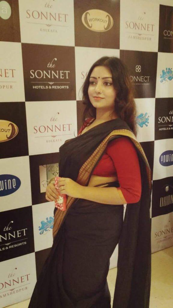 Rupsa Saha Chowdhury Wiki, Age, Biography, Movies, and Glamorous Photos 127