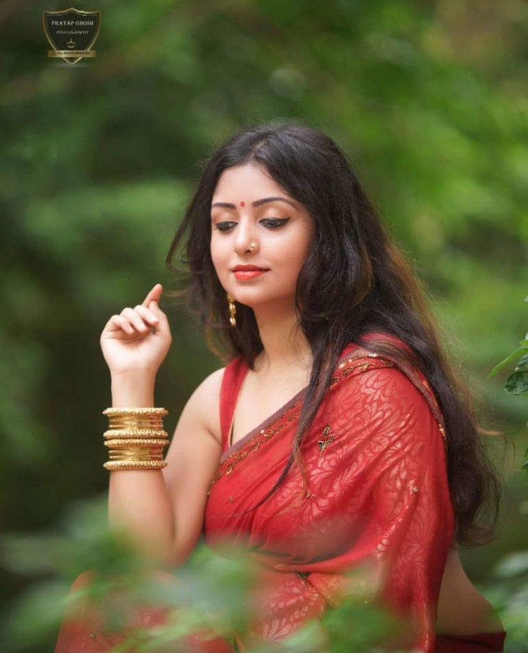 Rupsa Saha Chowdhury Wiki, Age, Biography, Movies, and Glamorous Photos 130