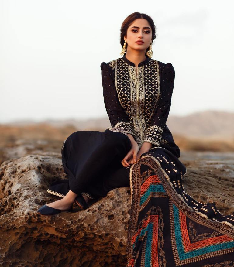 Sajal Aly Wiki, Age, Biography, Movies, and Beautiful Photos 107