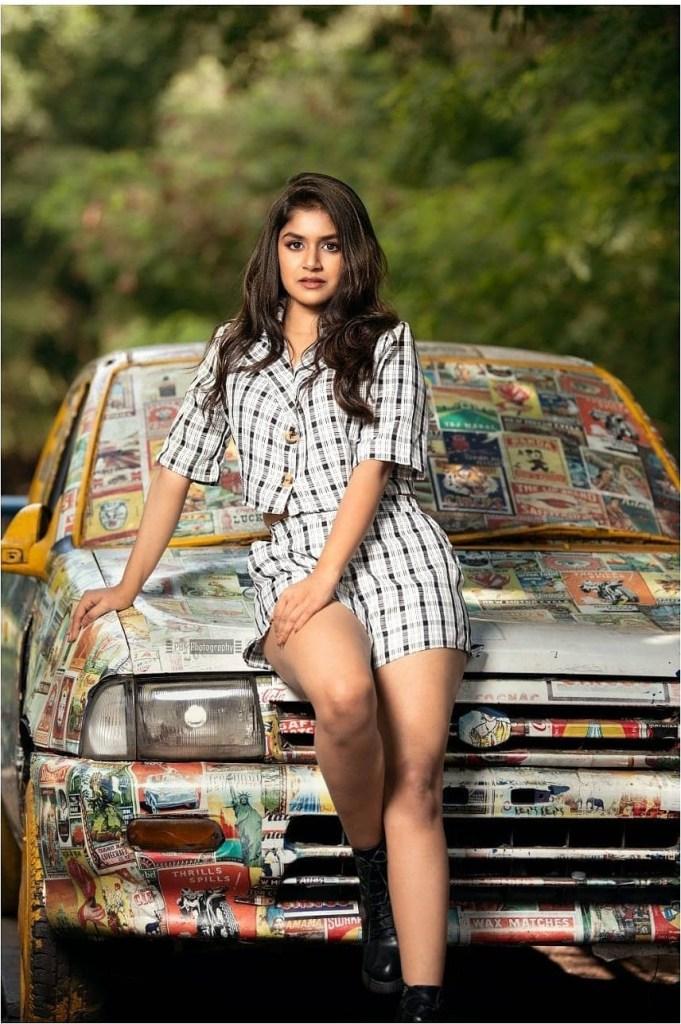 21+ Beautiful Photos of Sanjana Anand 127