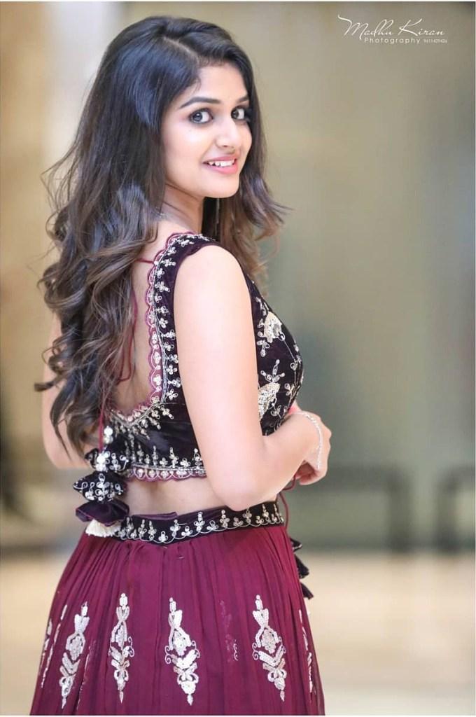 21+ Beautiful Photos of Sanjana Anand 112