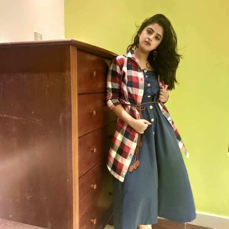 Shehna Noushad Wiki, Age, Biography, Movies, and Beautiful Photos 111