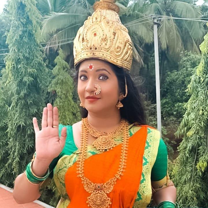 Shubha Poonja Wiki, Age, Biography, Movies, and Beautiful Photos 113