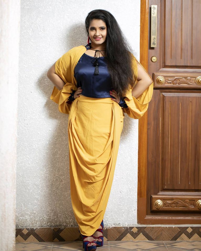 Shubha Poonja Wiki, Age, Biography, Movies, and Beautiful Photos 121