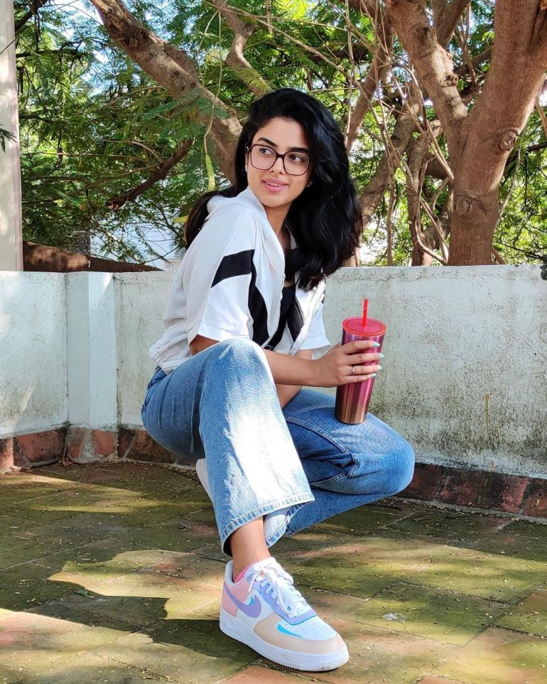 Siddhi Idnani Wiki, Age, Biography, Movies, and Gorgeous Photos 127