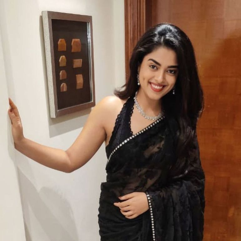 Siddhi Idnani Wiki, Age, Biography, Movies, and Gorgeous Photos 110