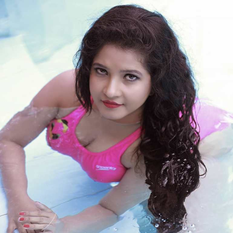 Shubha Poonja Wiki, Age, Biography, Movies, and Beautiful Photos 123