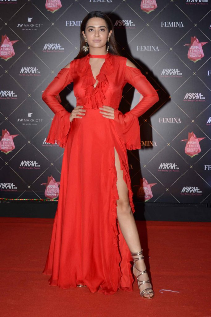 Surveen Chawla Wiki, Age, Biography, Movies, and Stunning Photos 117