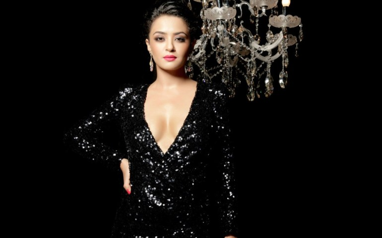 Surveen Chawla Wiki, Age, Biography, Movies, and Stunning Photos 113