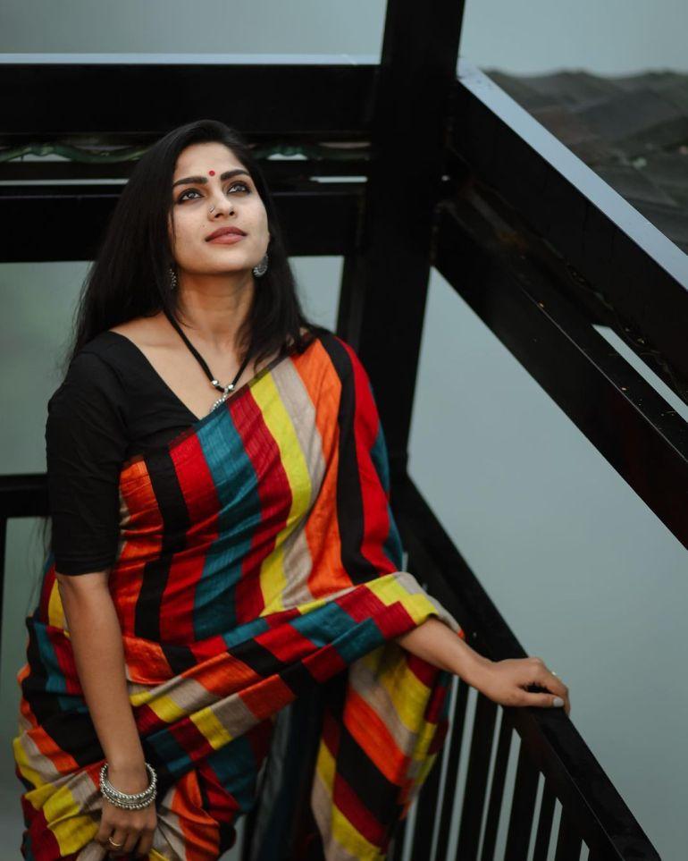 Swasika Vijay Wiki, Age, Biography, Movies, and Stunning Photos 107