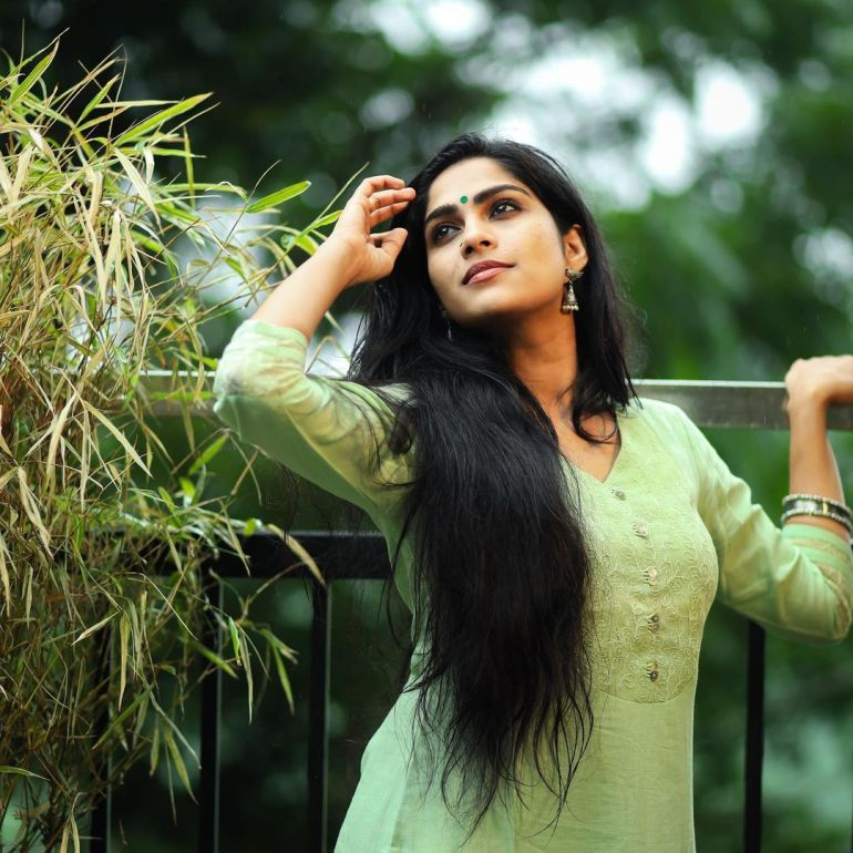 Swasika Vijay Wiki, Age, Biography, Movies, and Stunning Photos 112