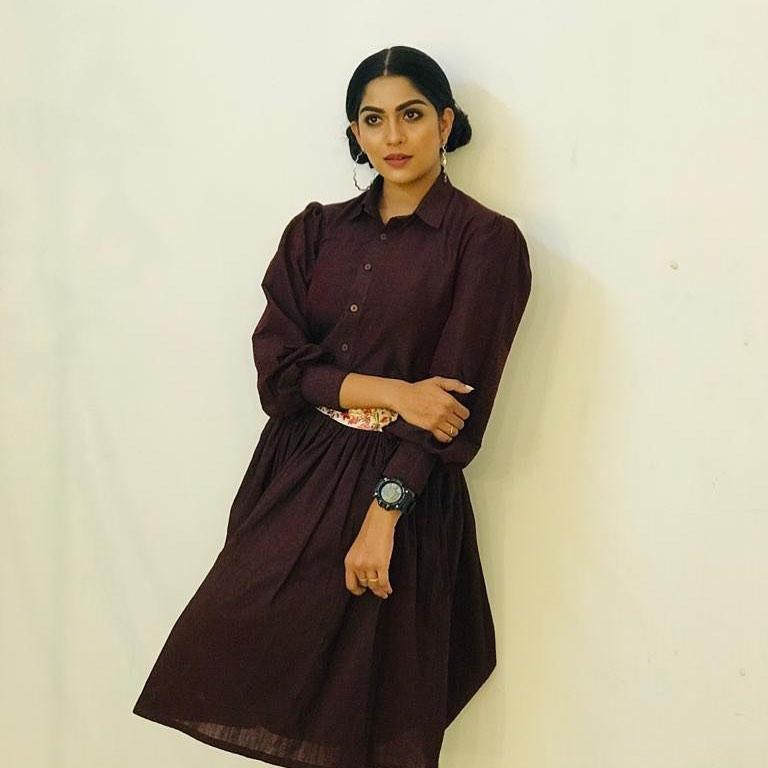 Swasika Vijay Wiki, Age, Biography, Movies, and Stunning Photos 105
