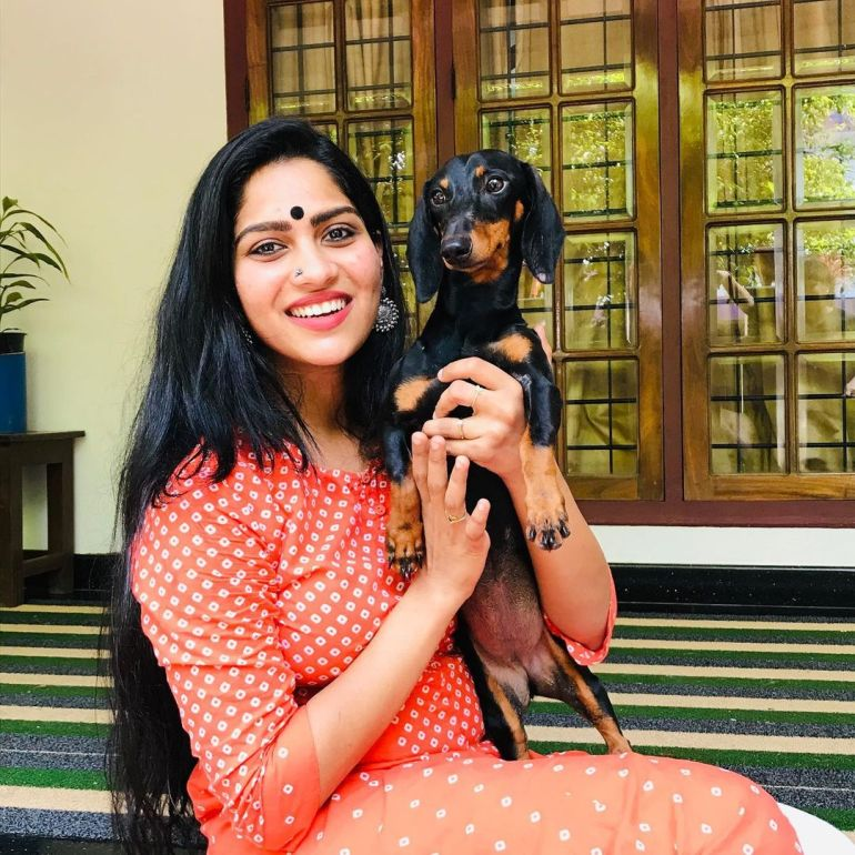 Swasika Vijay Wiki, Age, Biography, Movies, and Stunning Photos 106