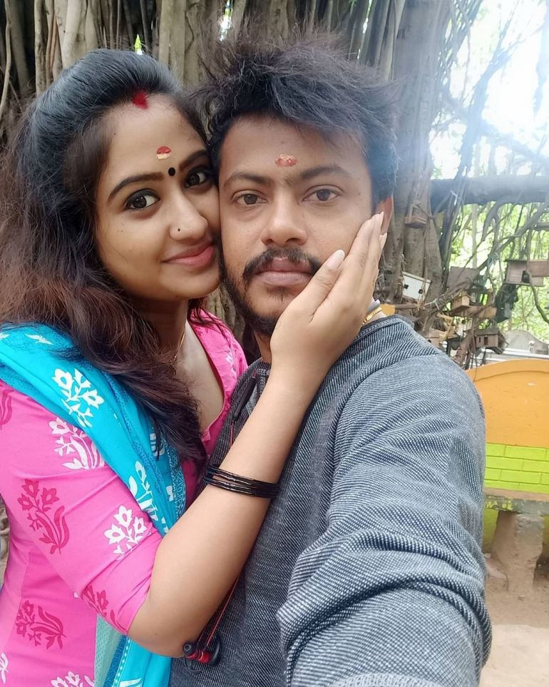 Swathy Nithyanand Bio, Wiki, Age, Husband, Serial, and Beautiful Photos 117