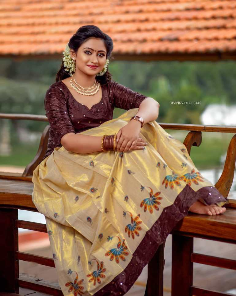 Swathy Nithyanand Bio, Wiki, Age, Husband, Serial, and Beautiful Photos 113
