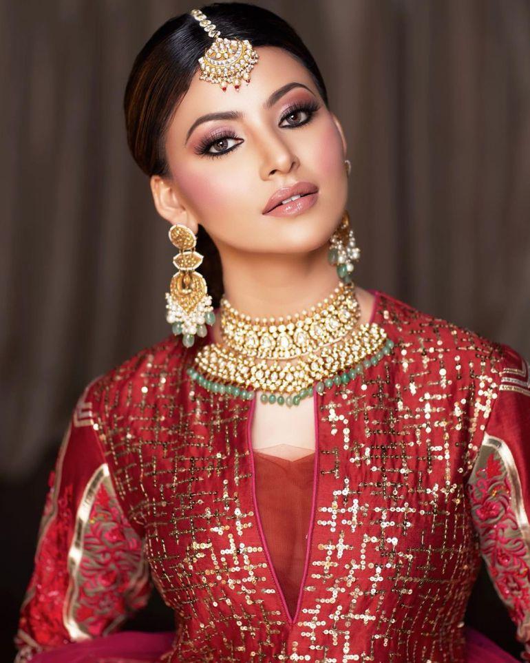 Urvashi Rautela Wiki, Age, Biography, Movies, and Glamorous Photos 120
