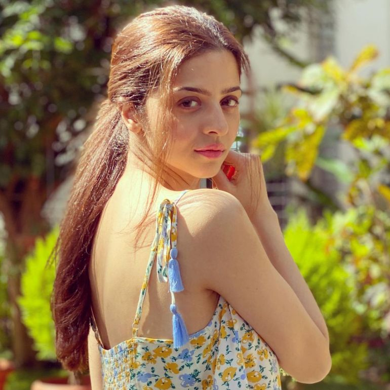 Vedhika Wiki, Age, Biography, Movies, and Gorgeous Photos 103