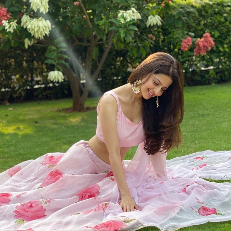 Vedhika Wiki, Age, Biography, Movies, and Gorgeous Photos 105