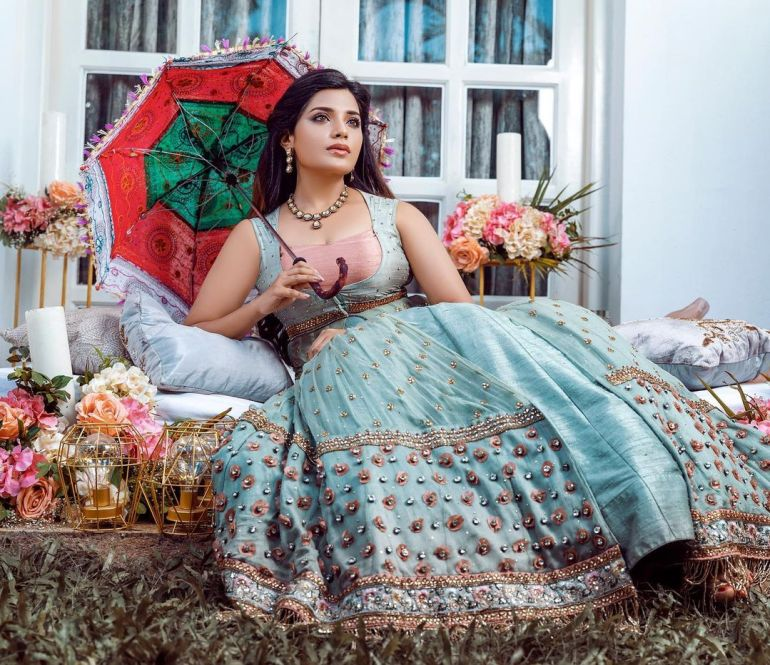 Aathmika Wiki, Age, Biography, Movies, and Stunning Photos 101