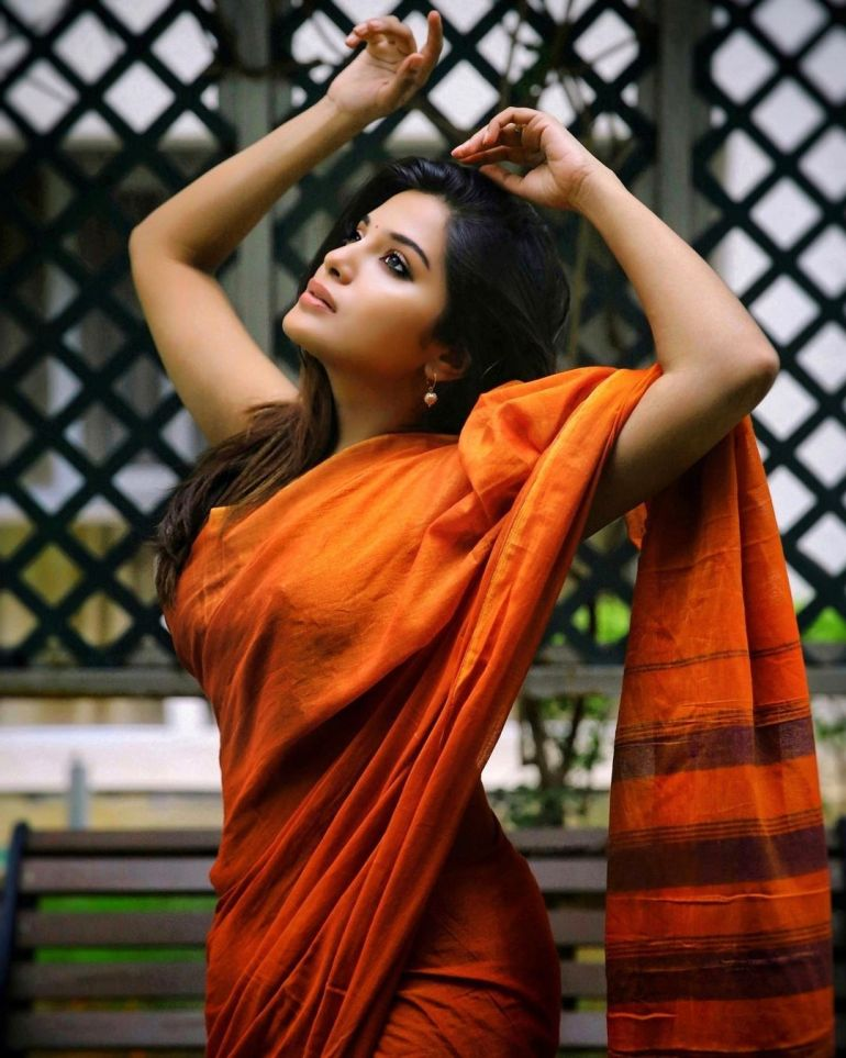 Aathmika Wiki, Age, Biography, Movies, and Stunning Photos 104