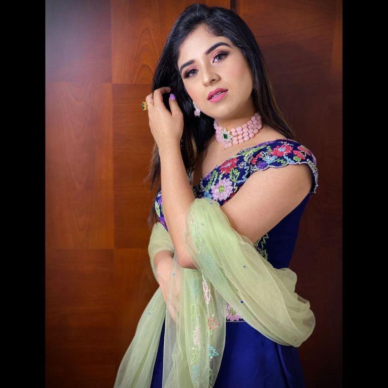 Aparna Thomas Wiki, Biography, and beautiful Photos 115