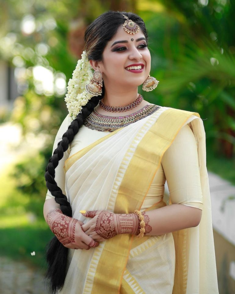 Aparna Thomas Wiki, Biography, and beautiful Photos 116