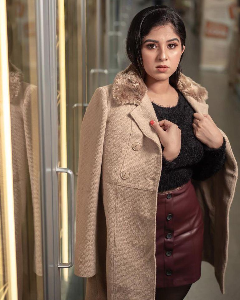 Aparna Thomas Wiki, Biography, and beautiful Photos 121