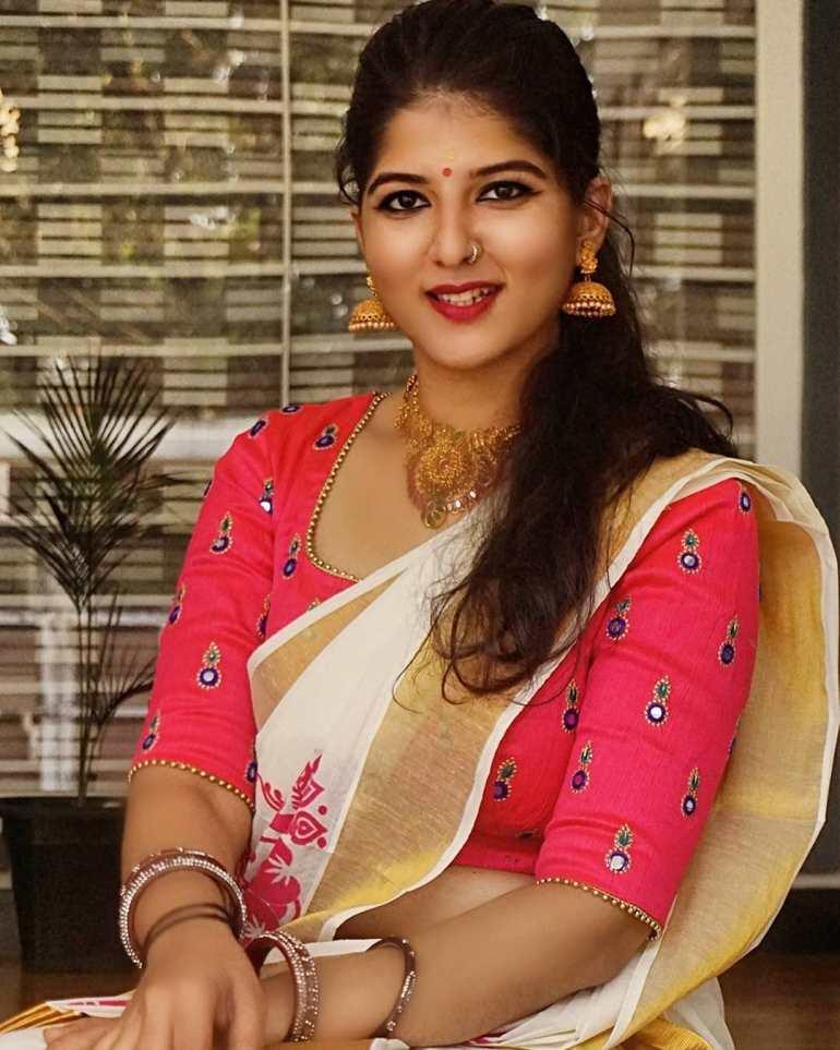 Aswathy S Nair Wiki, Biography, Serials, and Beautiful Photos 113