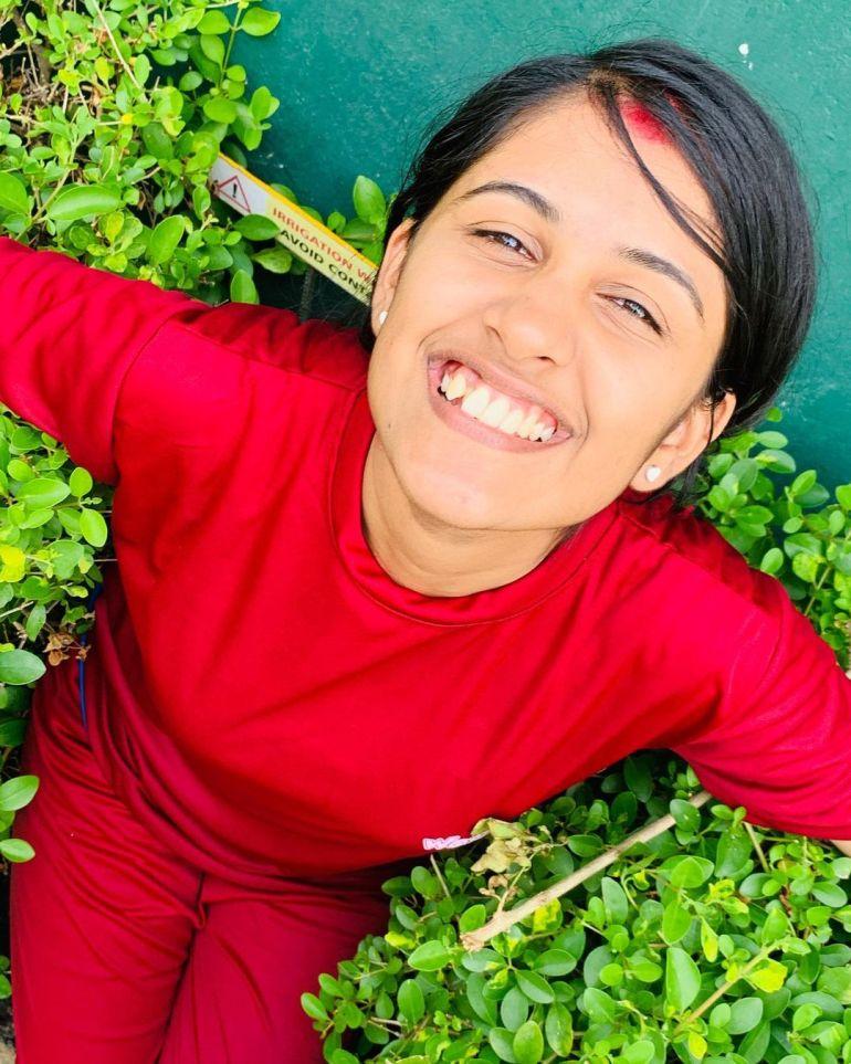 Hima Sumith Wiki/Biography, Age, Husband, TV Shows, and Beautiful Photos 111