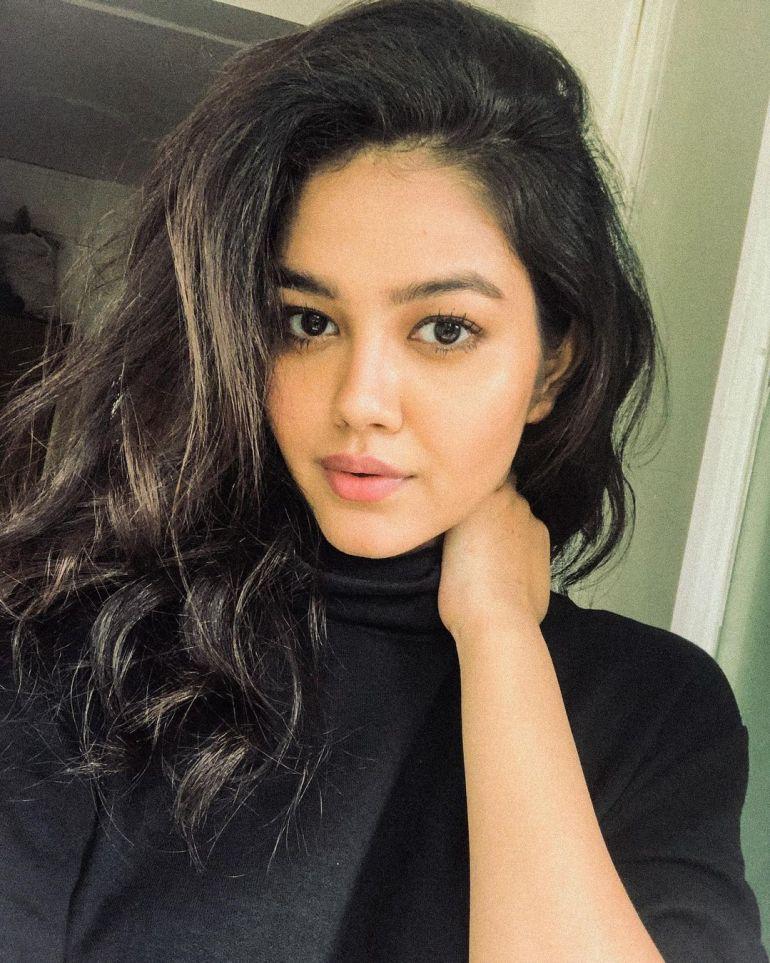 Priyal Mahajan Wiki, Age, Bio, Movies, and 21+ Beautiful Photos 116