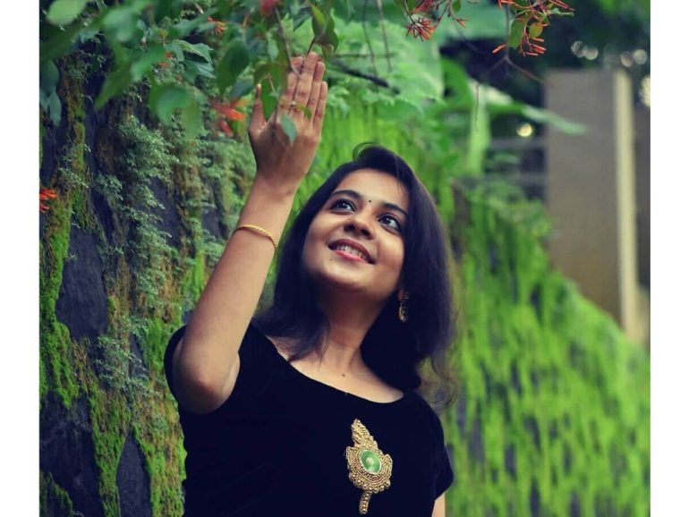 Raakkuyil serial actress Archana Nair Wiki, Age, Bio, Serials, Husband, Height, Photos 109