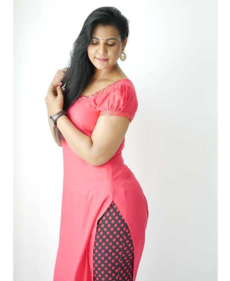Shanaya Shaanu (Shanaya Shanu) Wiki, Age, Biography, Movies, and Gorgeous Photos 123