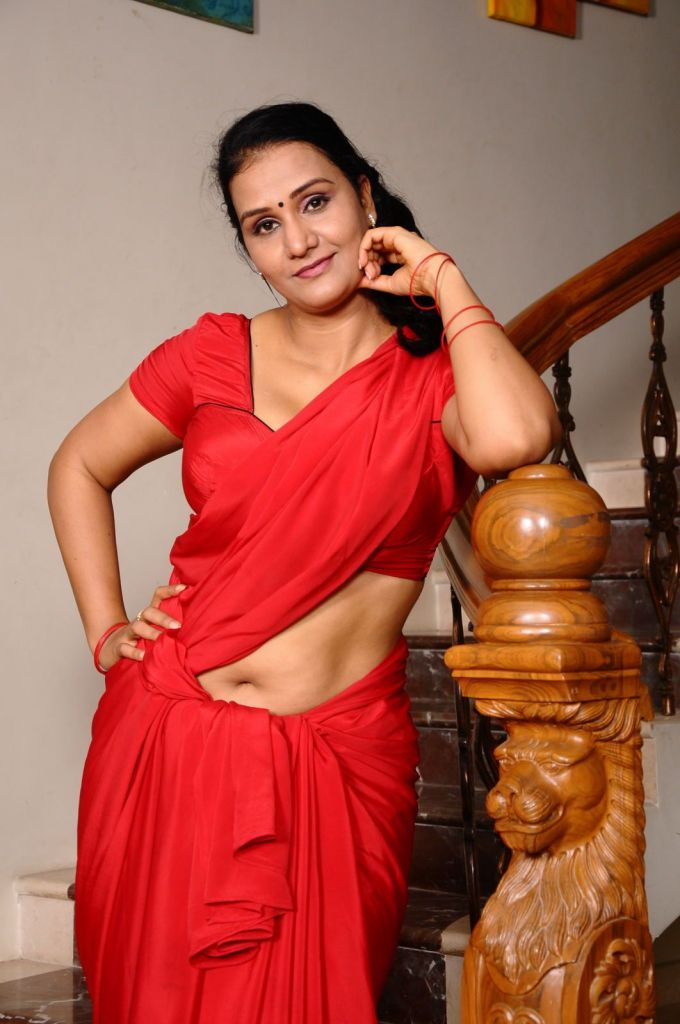 Check out this Popular South Indian B-Grade Glamorous Actresses 154