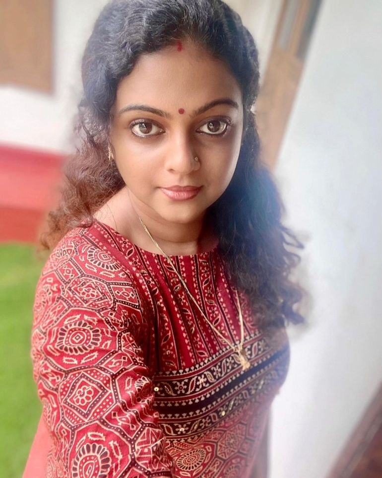 Aswathy Sreekanth Wiki, Age, Biography, Movies, Serial, and Beautiful Photos 108
