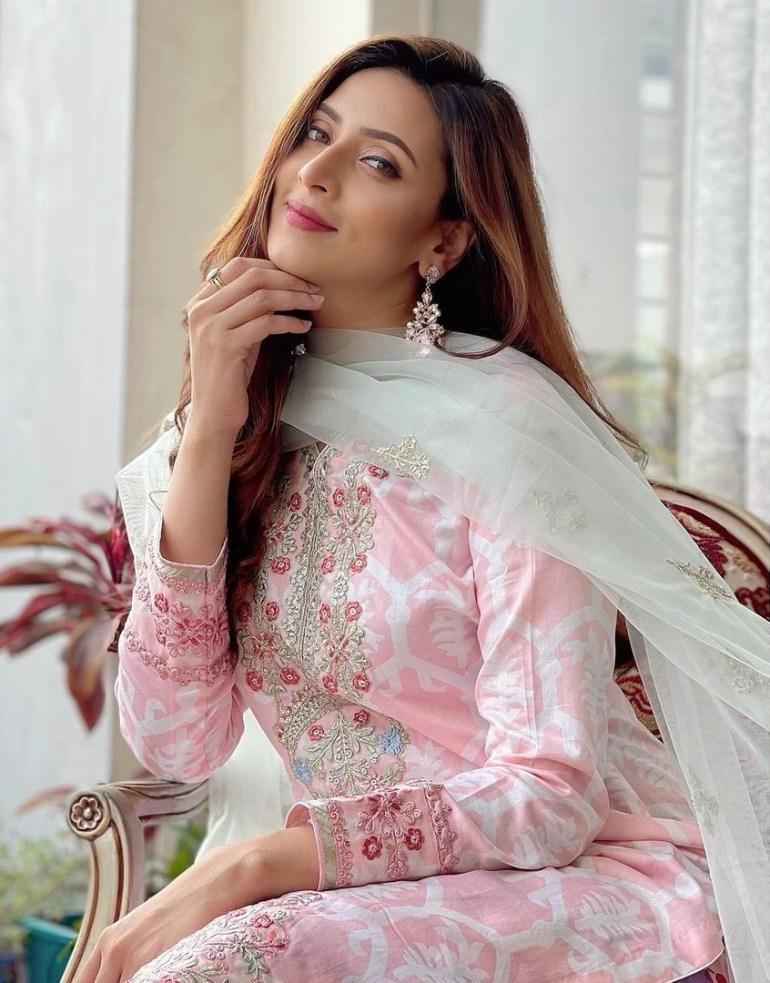 Bidya Sinha Saha Mim Gorgeous Photos, Wiki, Age, Biography, and Movies 128