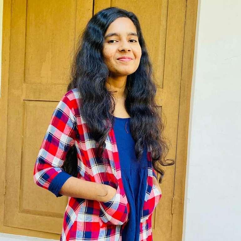 Lakshmi Unnikrishnan (Chakkapazham fame) Wiki, Age, Biography, Movies, and Beautiful Photos 114