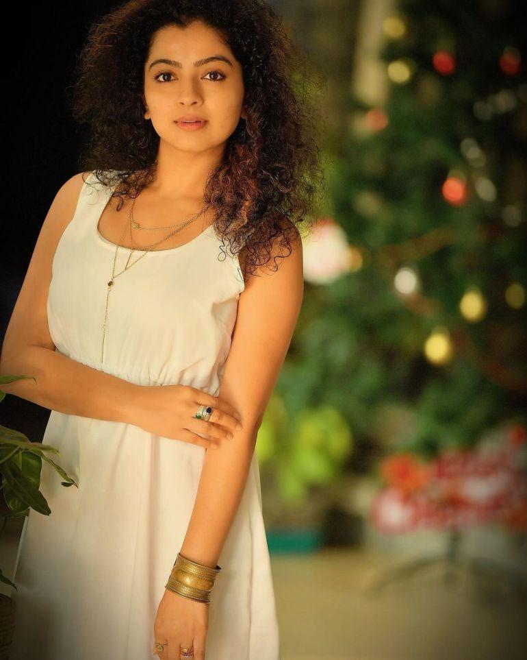 Ranjita Menon Bio, Age, Wiki, Height, Movies, and beautiful Photos 106