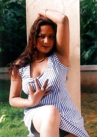 Check out this Popular South Indian B-Grade Glamorous Actresses 141