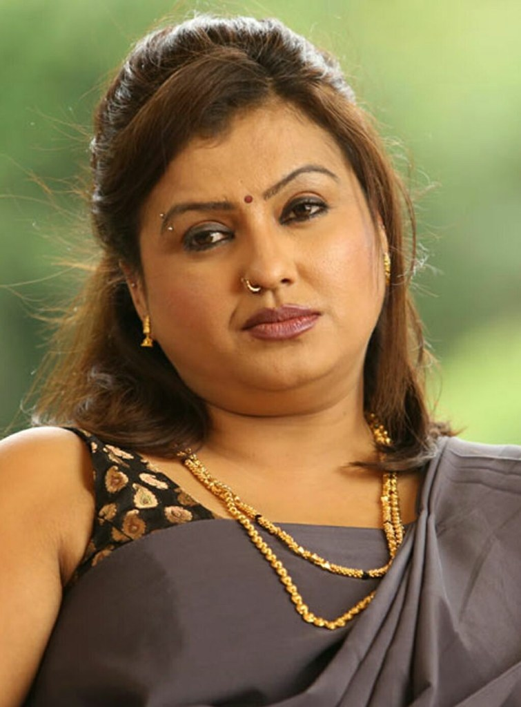 Check out this Popular South Indian B-Grade Glamorous Actresses 123