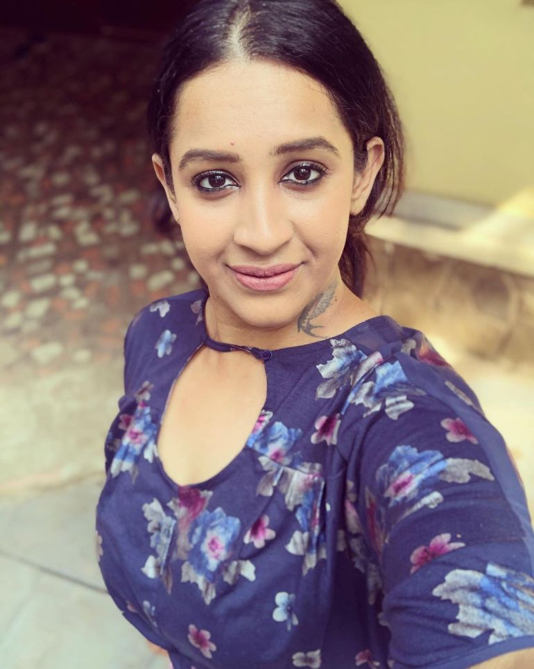 Sowbhagya Venkitesh Wiki, Age, Biography, Movies, web series, and Gorgeous Photos 118