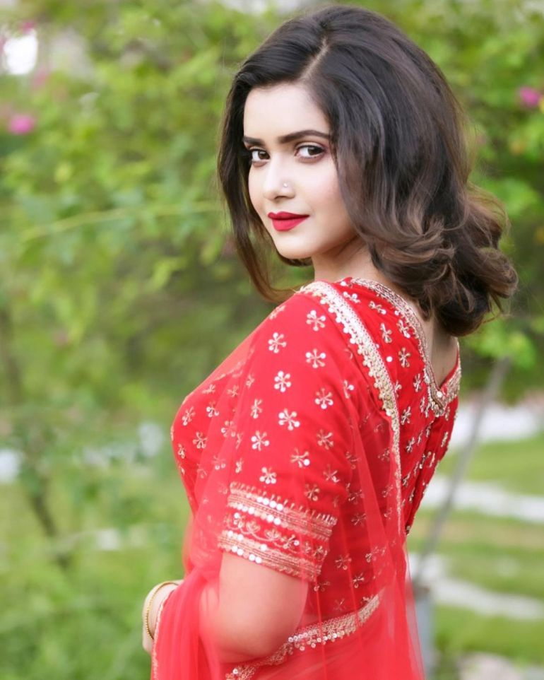 Tanjin Tisha Gorgeous Photos, Wiki, Age, Biography, and Movies 100