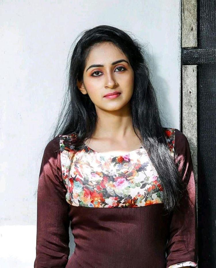 Dona Anna - Malayalam Web Series Star, biography and beautiful Photos 101