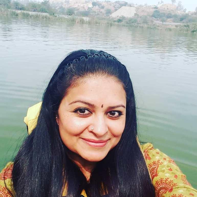 Sabitta George ( Chakkapazham Serial fame) Wiki, Age, Biography, Serial, Movies, and 27+ Beautiful Photos 100