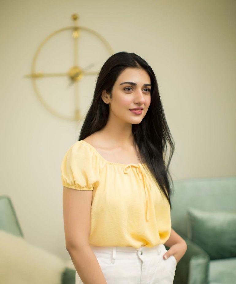 Sarah Khan (Pakistani Actress) Wiki, Age, Biography, Movies, and 21+ Gorgeous Photos 98