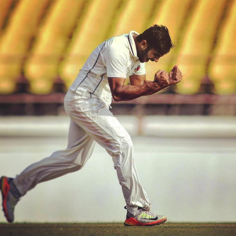 Shardul Thakur Wiki, Age, Biography, Family, Career, and HD Photos 100