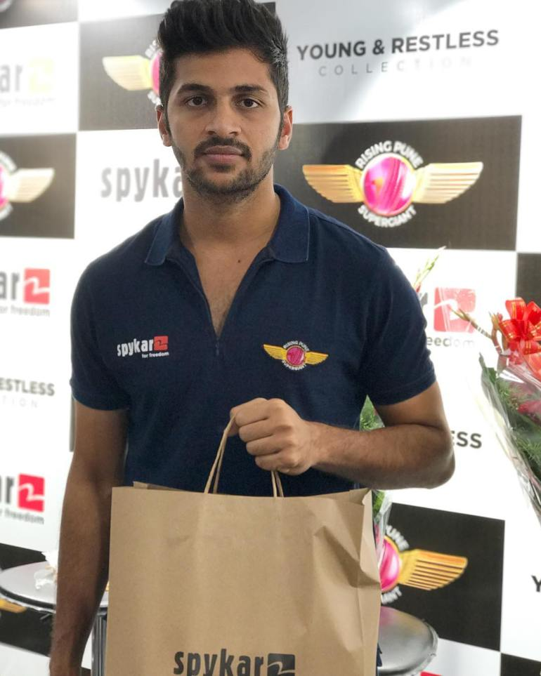 Shardul Thakur Wiki, Age, Biography, Family, Career, and HD Photos 102