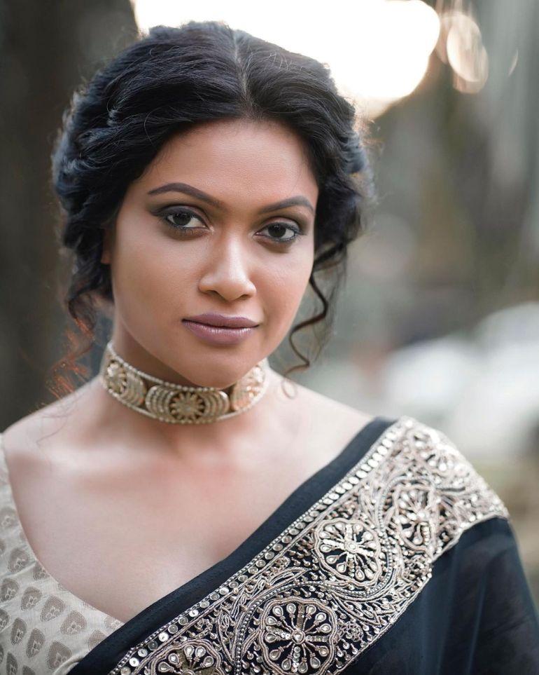 Chulakshi Ranathunga Wiki, Age, Biography, Movies, and 24+ Gorgeous Photos 116