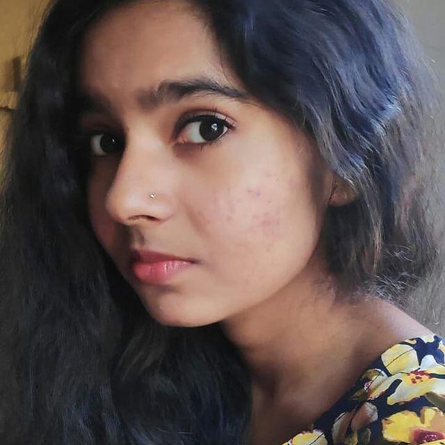 Lakshmi Unnikrishnan (Chakkapazham fame) Wiki, Age, Biography, Movies, and Beautiful Photos 116