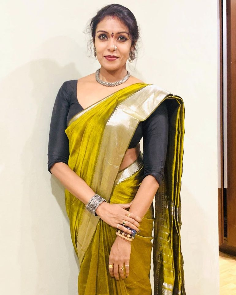 Sandhya Manoj (Malayalam Big Boss Contestant) Wiki, Age, Biography, and Beautiful Photos 110